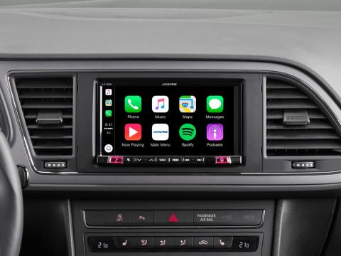 Seat-Leon-Mobile-Media-System-iLX-702Leon-with-Apple-CarPlay